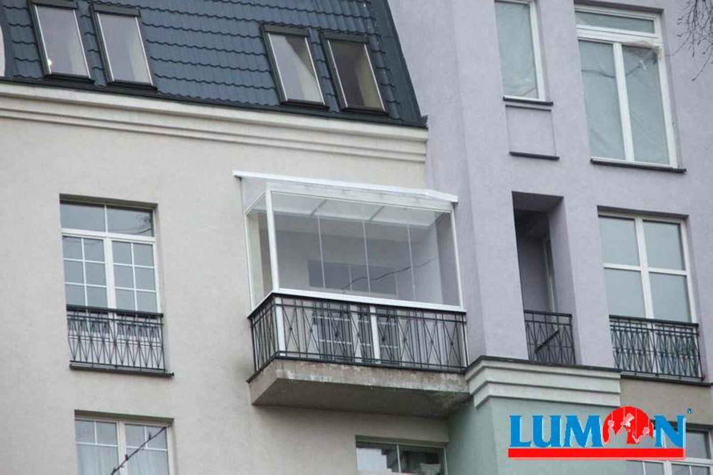Крыша без остекления на балконе последнего этажа..