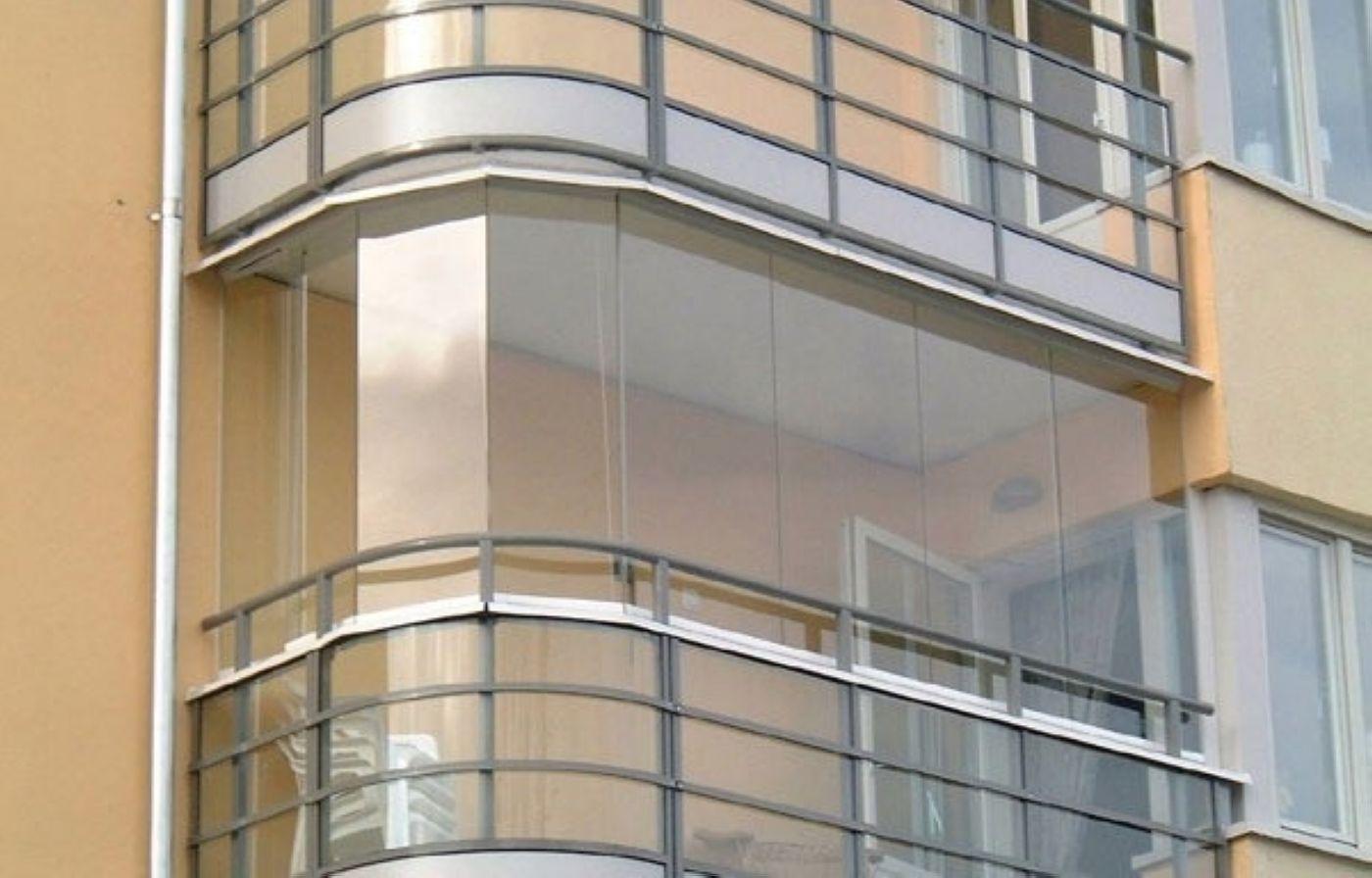 Способы и варианты остекления балконных помещений.